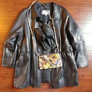 Bundle Hobo crossbody, leather jacket, slides